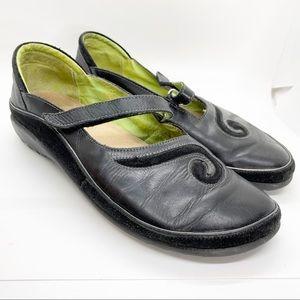 Naot Matai Swirl Mary Jane Black Flats Size 9 40